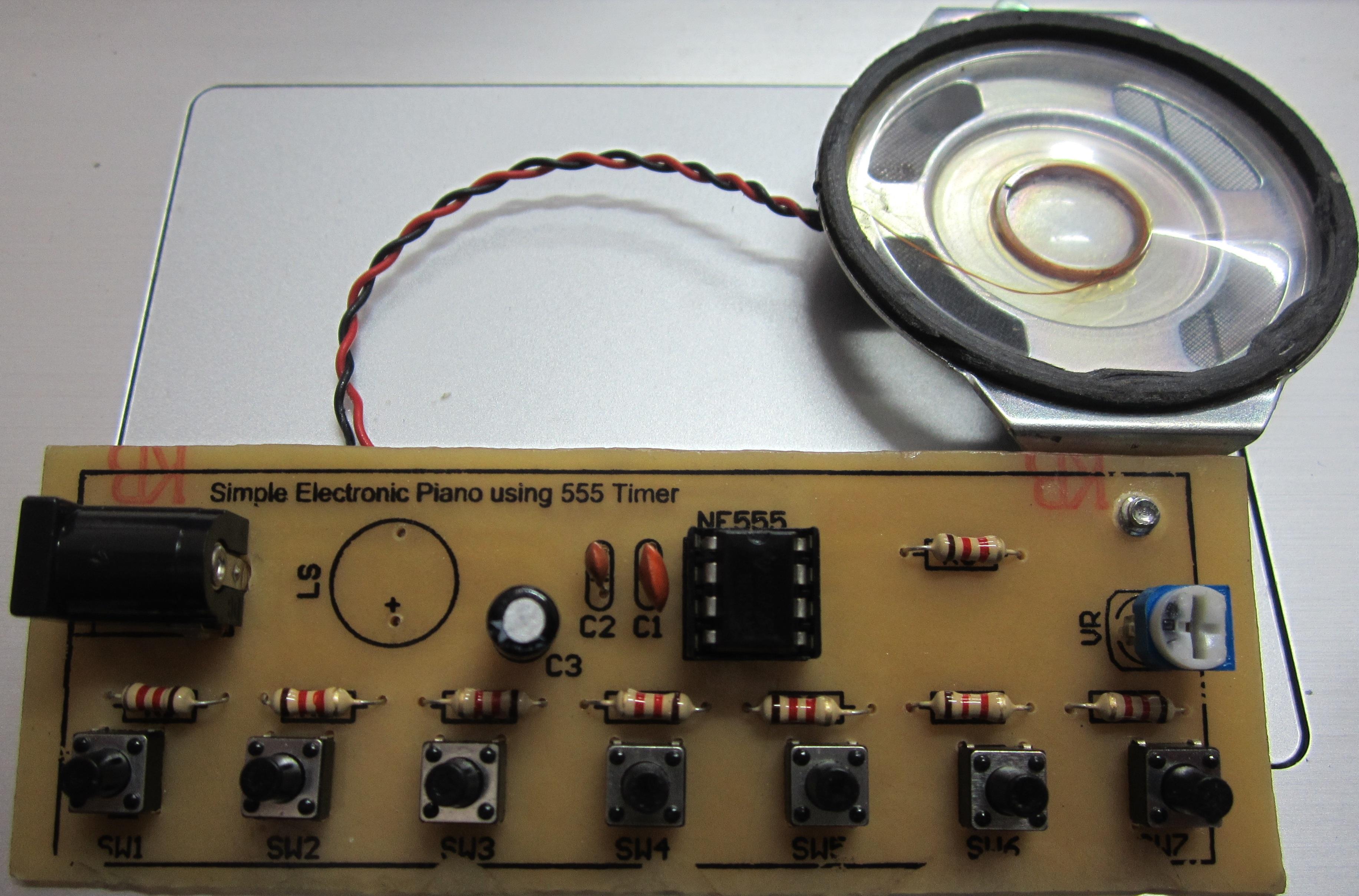 piano điện tử dùng NE555